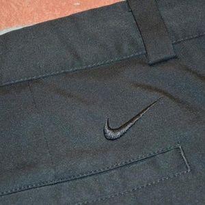 7910 Mens Nike Golf Shorts Size 40 Black Tour